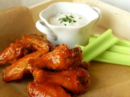 buffalo wings with blue cheese sause